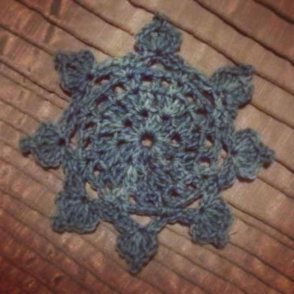 Teal_Sunburst_Motif